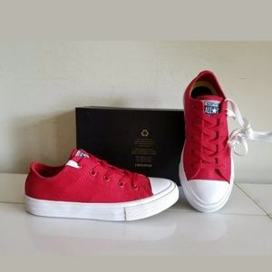 NEW BOY CONVERSE Red, Size 1 YOUTH (19.5 cm)